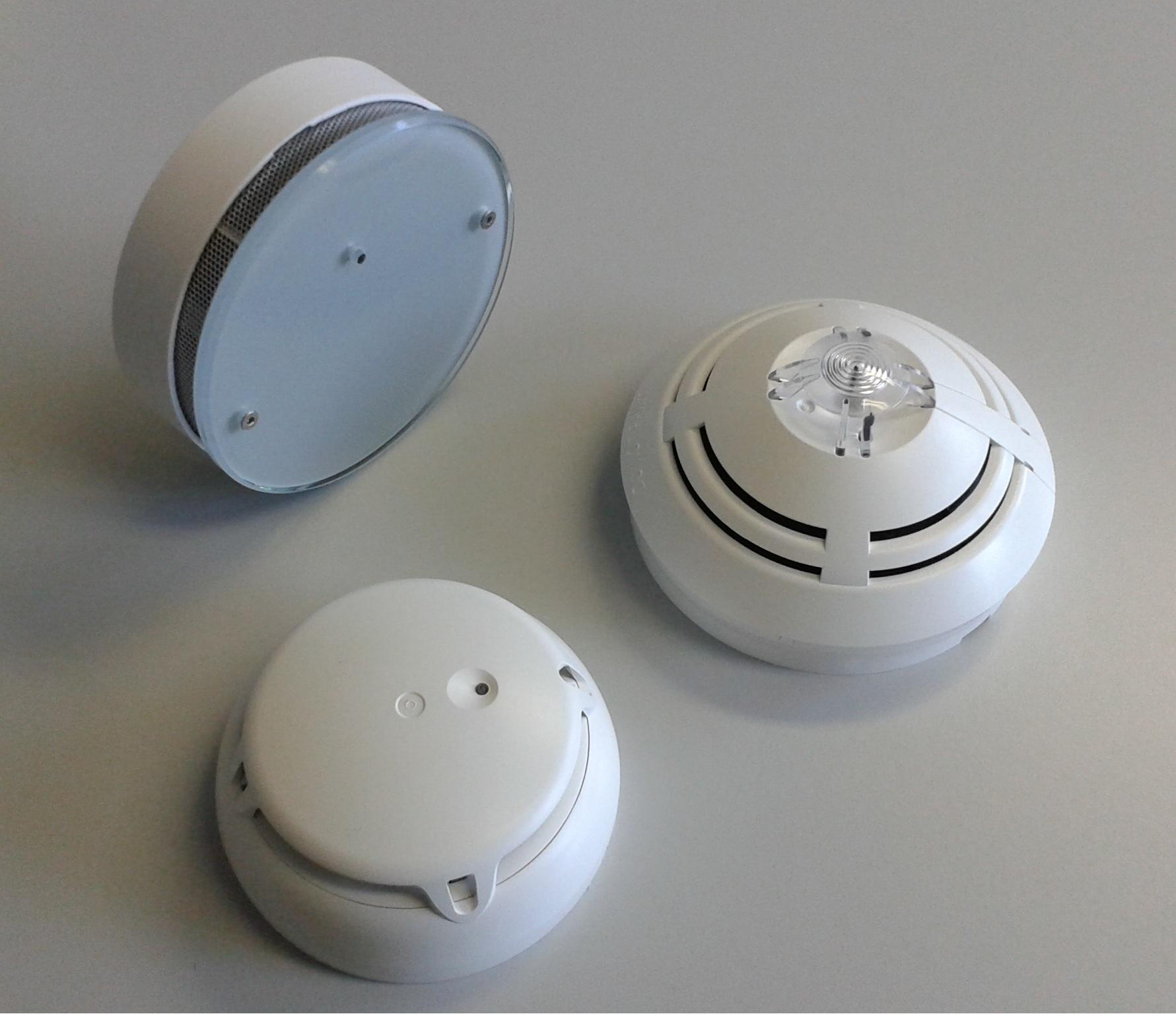 rauchmelder retten leben forth eletrotechnik gmbh. Black Bedroom Furniture Sets. Home Design Ideas